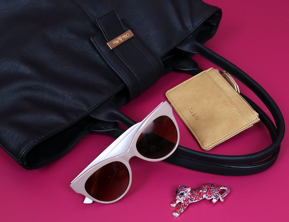 Ollie & Nic tote bag with Powder sunglasses and brooch